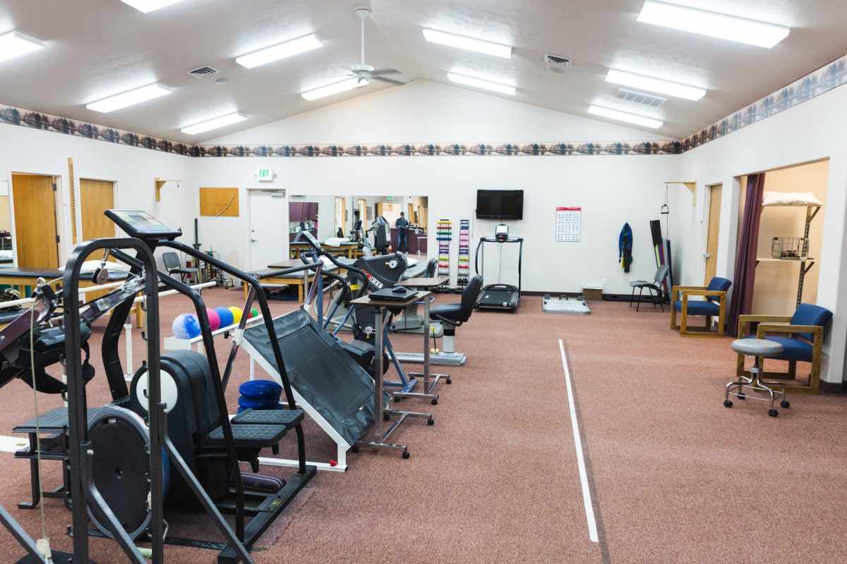 phsyical-therapy-equipment-room